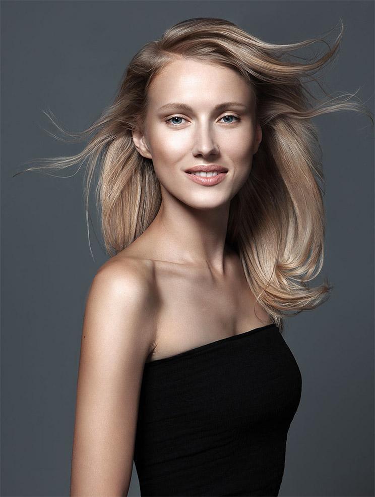 coiffure cheveux longs blonds cr ation cizor 39 s cizor 39 s coiffeur visagiste paris. Black Bedroom Furniture Sets. Home Design Ideas